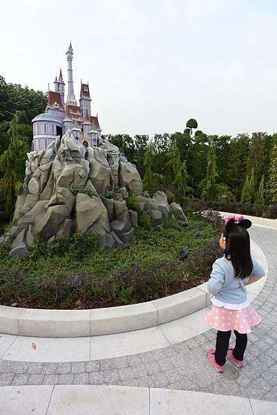 香港迪士尼樂園:童話園林 (34).JPG