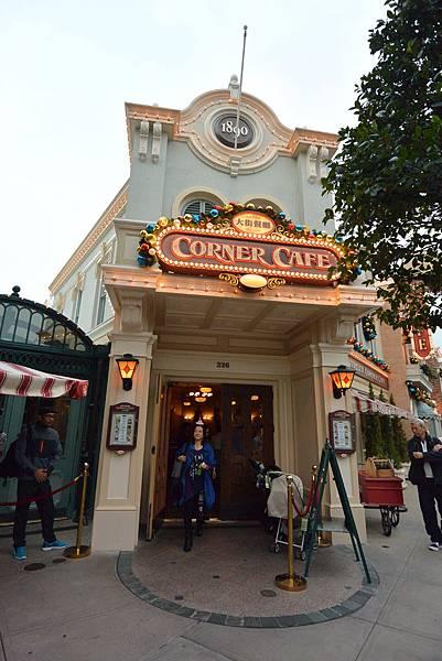 香港迪士尼樂園:大街餐廳 (1).JPG