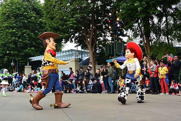 香港迪士尼樂園:迪士尼飛天巡遊 (1).JPG