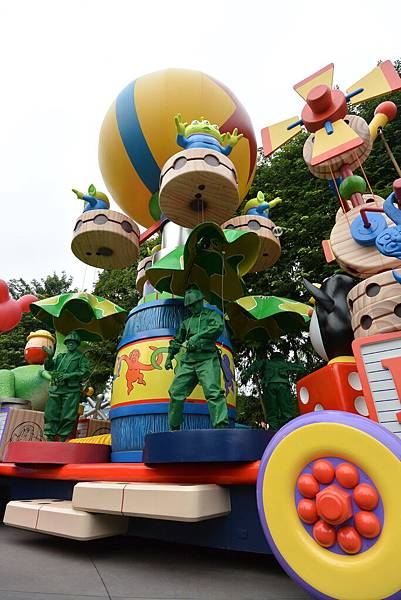 香港迪士尼樂園:迪士尼飛天巡遊 (5).JPG