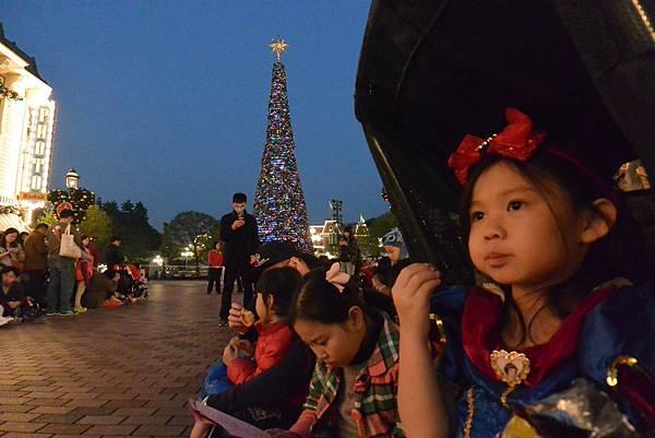 香港迪士尼樂園:《魔雪奇緣》聖誕亮燈禮 (4).JPG