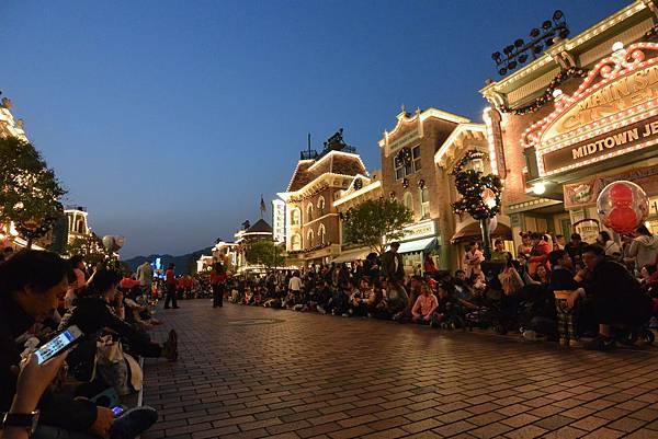 香港迪士尼樂園:《魔雪奇緣》聖誕亮燈禮 (5).JPG