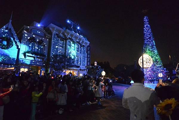 香港迪士尼樂園:《魔雪奇緣》聖誕亮燈禮 (8).JPG