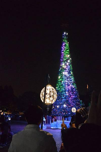 香港迪士尼樂園:《魔雪奇緣》聖誕亮燈禮 (9).JPG