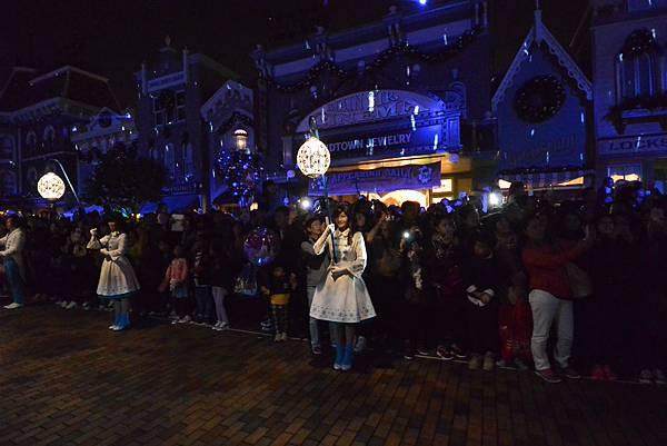 香港迪士尼樂園:《魔雪奇緣》聖誕亮燈禮 (11).JPG
