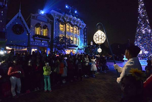 香港迪士尼樂園:《魔雪奇緣》聖誕亮燈禮 (12).JPG