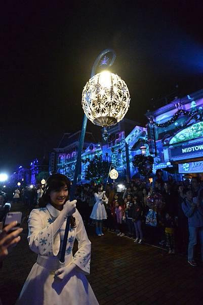 香港迪士尼樂園:《魔雪奇緣》聖誕亮燈禮 (15).JPG
