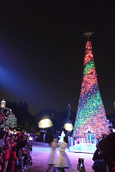 香港迪士尼樂園:《魔雪奇緣》聖誕亮燈禮 (17).JPG