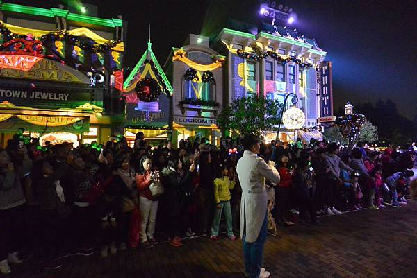 香港迪士尼樂園:《魔雪奇緣》聖誕亮燈禮 (19).JPG
