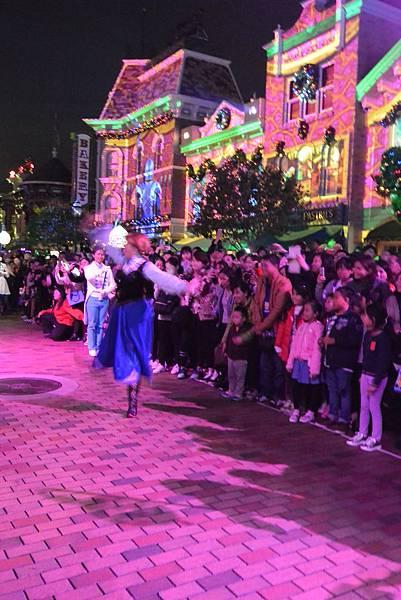 香港迪士尼樂園:《魔雪奇緣》聖誕亮燈禮 (22).JPG