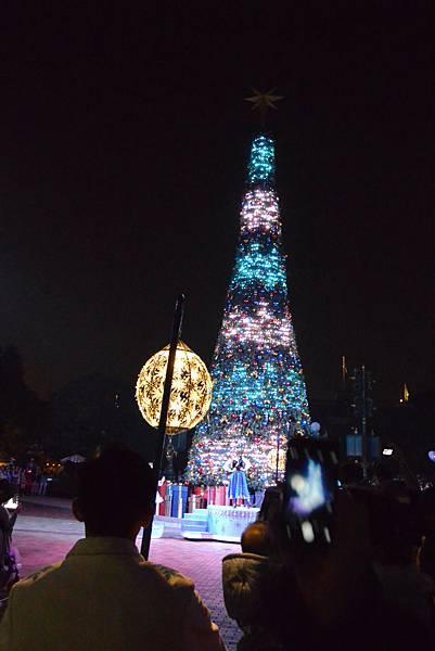 香港迪士尼樂園:《魔雪奇緣》聖誕亮燈禮 (25).JPG