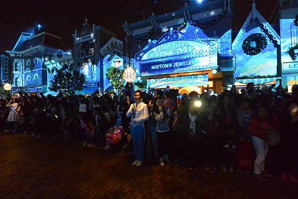 香港迪士尼樂園:《魔雪奇緣》聖誕亮燈禮 (27).JPG