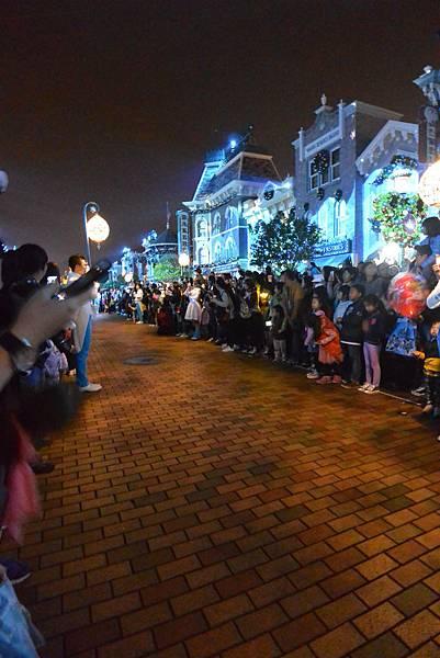 香港迪士尼樂園:《魔雪奇緣》聖誕亮燈禮 (28).JPG