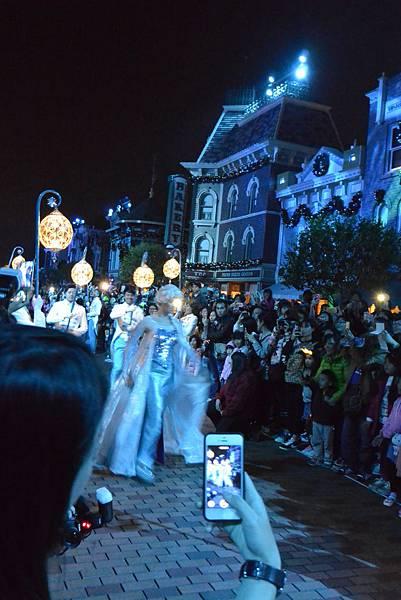 香港迪士尼樂園:《魔雪奇緣》聖誕亮燈禮 (31).JPG