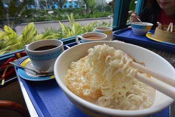 香港迪士尼好萊塢酒店:好萊塢快餐廳 (13).JPG
