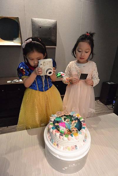 亞亞的5歲慶生會 (1).JPG