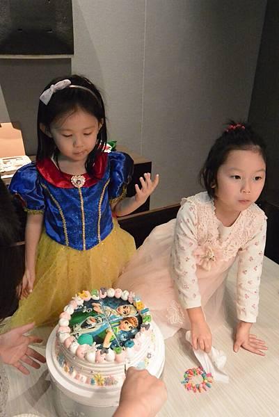亞亞的5歲慶生會 (31).JPG