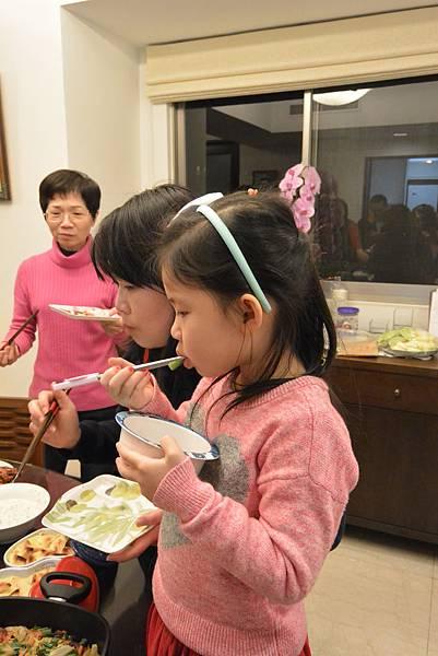 亞亞的2016新年大餐《夜場》 (1).JPG