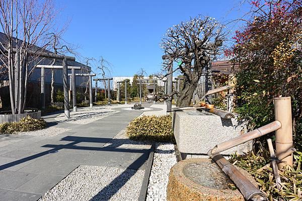 日本福岡市JR博多シティ:つばめの杜ひろば (9).JPG