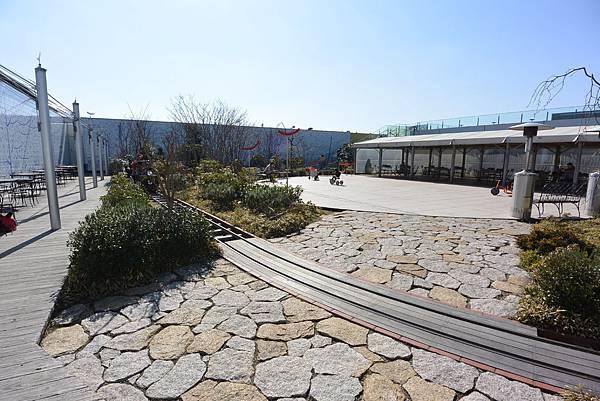 日本福岡市JR博多シティ:つばめの杜ひろば (44).JPG