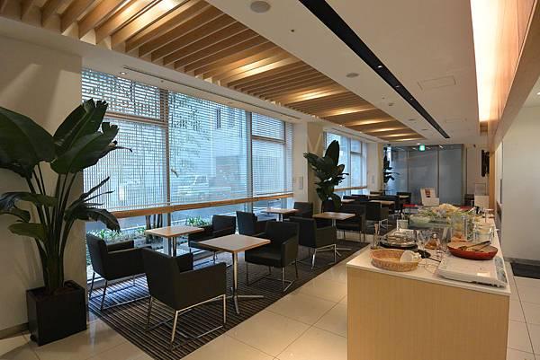 日本福岡県福岡市博多 東急REIホテル:フロント+ラウンジ (1).JPG