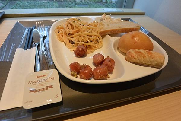 日本福岡県福岡市博多 東急REIホテル:フロント+ラウンジ (6).JPG