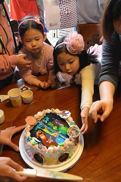 亞亞參加妹妹生日會 (22).JPG