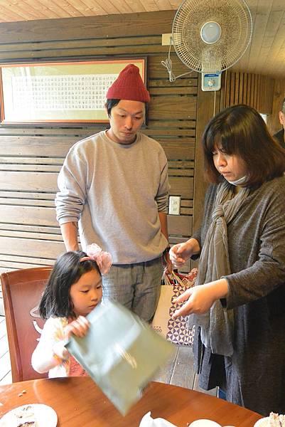 亞亞參加妹妹生日會 (44).JPG