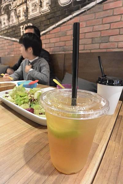 台北市mia信義 (20).JPG
