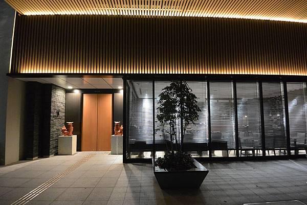 日本沖縄県アルモントホテル那覇県庁前:外觀 (4).JPG