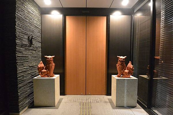 日本沖縄県アルモントホテル那覇県庁前:外觀 (9).JPG