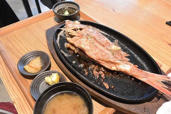 日本沖縄県糸満漁民食堂 (32).JPG