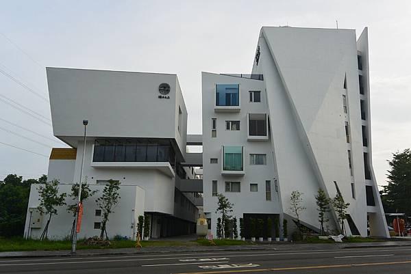 嘉義市繪日之丘:外觀 (3).JPG