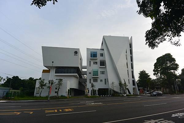 嘉義市繪日之丘:外觀 (2).JPG