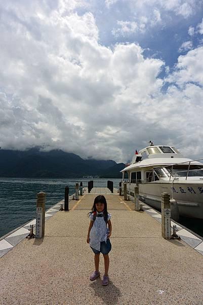 亞亞的湖光山色 (1).JPG
