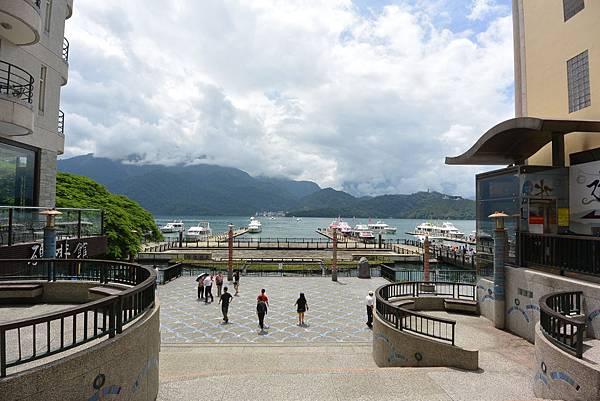亞亞的湖光山色 (4).JPG