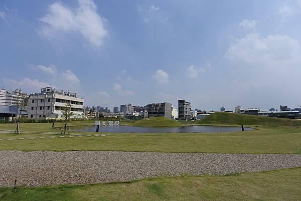 台中市台中嘉明湖 (15).JPG