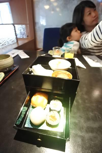 台北市日勝生加賀屋國際溫泉飯店:天翔午茶 (15).JPG