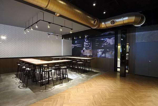 台中市黑浮咖啡台中公益店 (8).JPG