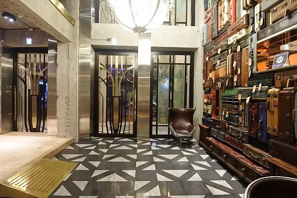 台中市BLUESKY HOTEL 藍天飯店:大廳 (33).JPG