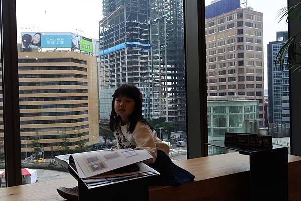 台北市TSUTAYA BOOKSTORE (2).JPG