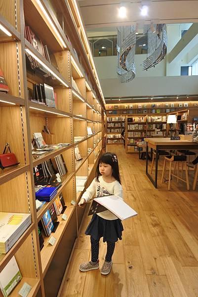 台北市TSUTAYA BOOKSTORE (14).JPG