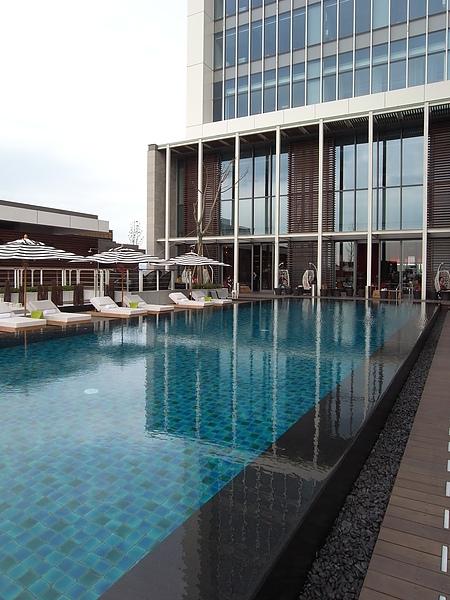 台北市W Taipei:WET游泳池 (28).JPG