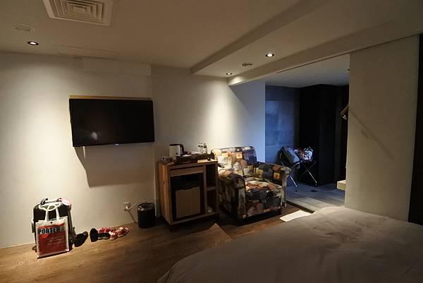 台中市草悟道文創旅館:鐵支四人房(有浴缸) (7).JPG