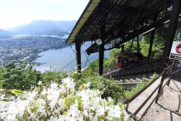 日本山梨県河口湖天上山公園 カチカチ山ロープウェイ (3).JPG