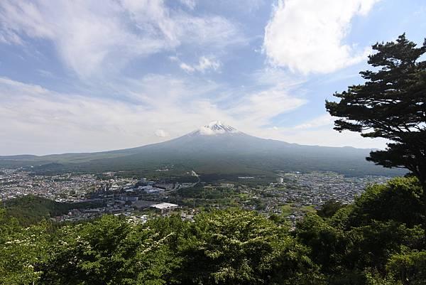 日本山梨県河口湖天上山公園 カチカチ山ロープウェイ (6).JPG