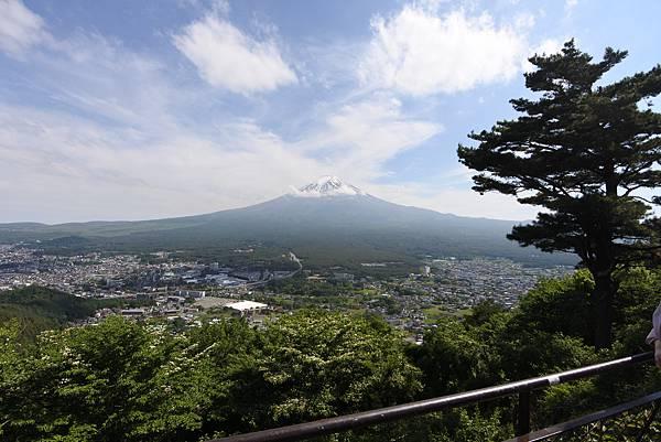 日本山梨県河口湖天上山公園 カチカチ山ロープウェイ (9).JPG