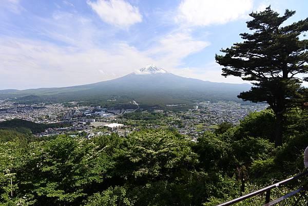 日本山梨県河口湖天上山公園 カチカチ山ロープウェイ (8).JPG