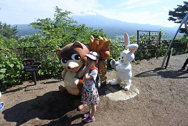 日本山梨県河口湖天上山公園 カチカチ山ロープウェイ (12).JPG