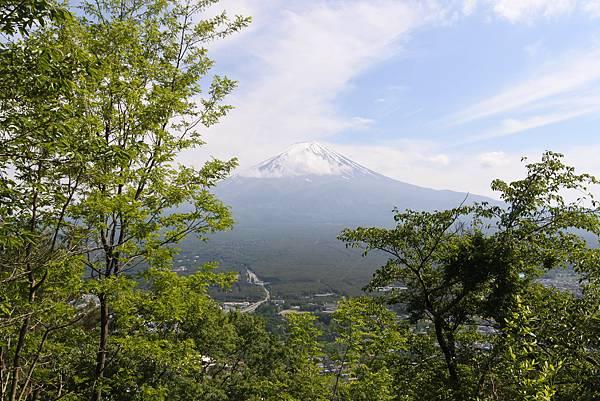 日本山梨県河口湖天上山公園 カチカチ山ロープウェイ (14).JPG